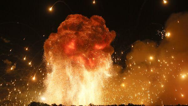 Пожар на военной базе в городе Калиновка в Винницкой области. Архивное фото