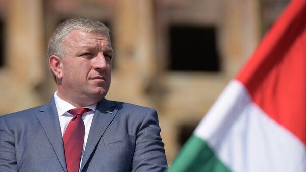 Премьер-министр Беслан Барциц