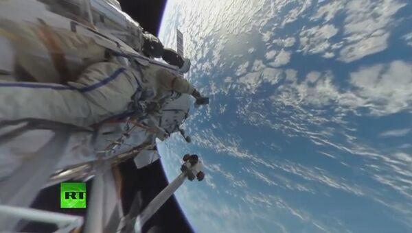 RT представил первое в истории панорамное видео из открытого космоса