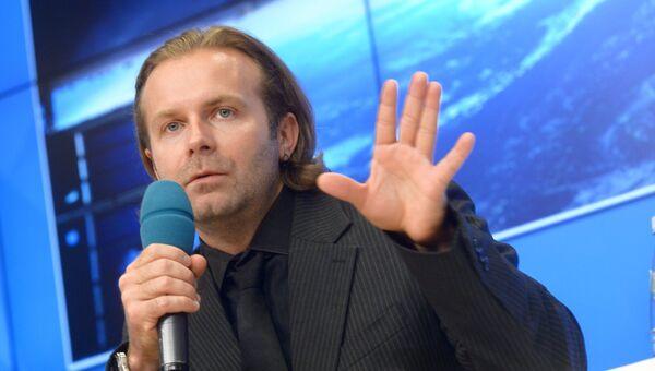 Режиссер Клим Шипенко на пресс-конференции в Международном мультимедийном пресс-центре МИА Россия сегодня. 4 октября 2017