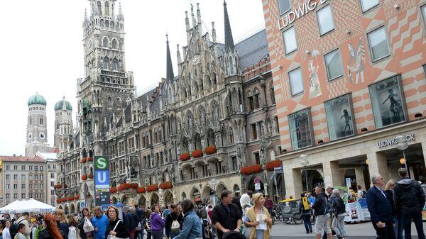 Здание Новой ратуши на площади Мариенплац в Мюнхене