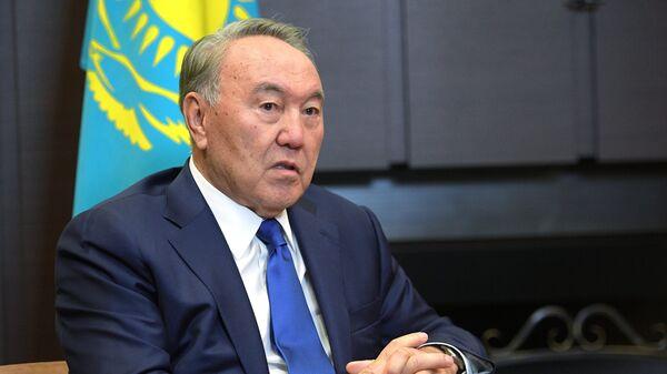 Президент Казахстана Нурсултан Назарбаев во время встречи с Владимиром Путиным. 12 октября 2017