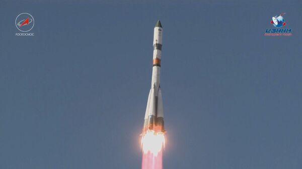 Пуск ракеты-носителя Союз-2.1а с грузовым кораблем Прогресс