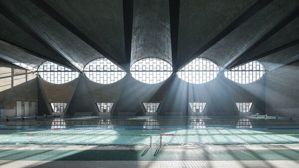 Бассейн в новом кампусе гимназии Университета Тяньцзиня, Китай