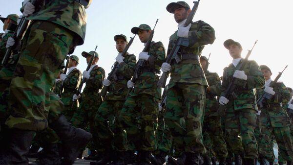 Солдаты Корпуса стражи исламской революции (КСИР) во время военного парада в Тегеране