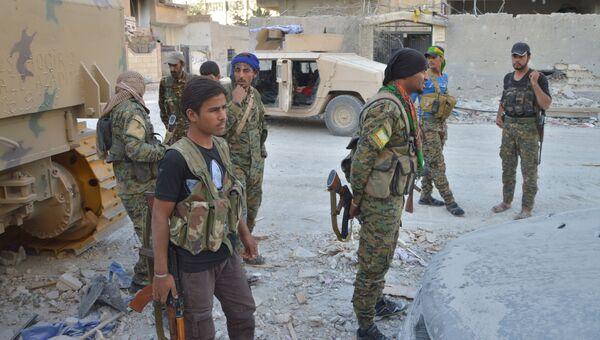 Бойцы Демократических сил Сирии в Ракке