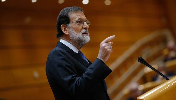 Премьер-министр Испании Мариано Рахой во время выступления в сенате