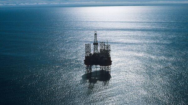 Самоподъемная плавучая буровая установка Ока ведет разработку нефтегазоносных месторождений на шельфе Охотского моря