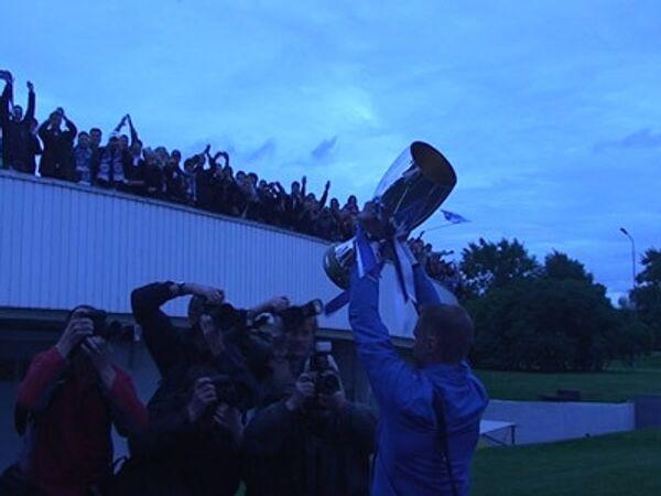 Впервые в России. Суперкубок УЕФА прибыл в Петербург