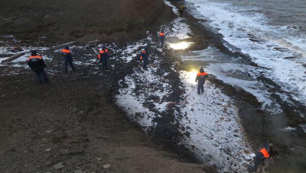 Спасатели продолжают поисковую операцию в районе крушения вертолёта ми-8 в близки Шпицбергена. 3 ноября 2017