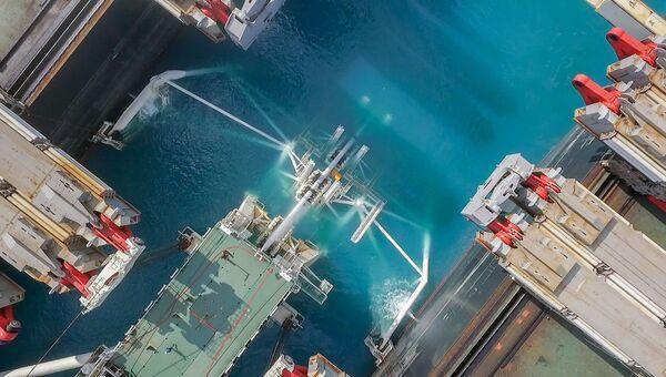 Укладка труб газопровода Турецкий поток. Архивное фото
