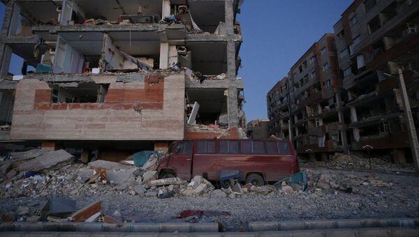 Последствия землетрясения в иранской провинции Керманшах. 13 ноября 2017