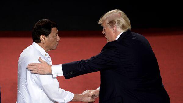 Дональд Трамп и президент Филиппин Родриго Дутерте на саммите АСЕАН в Маниле. 13 ноября 2017