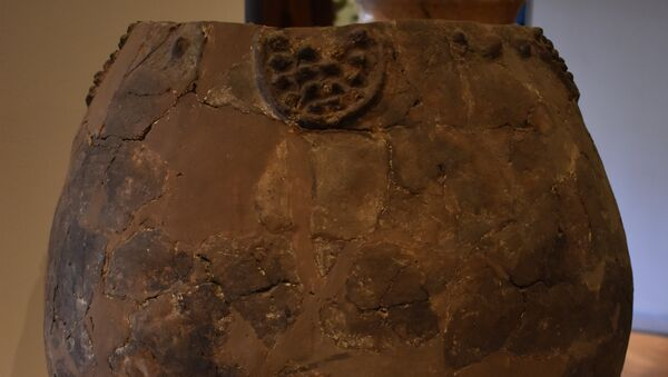 Один из сосудов времен каменного века, в чьих стенках ученые нашли следы вина