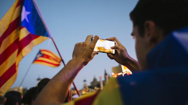 Участники митинга в поддержку референдума о независимости Каталонии