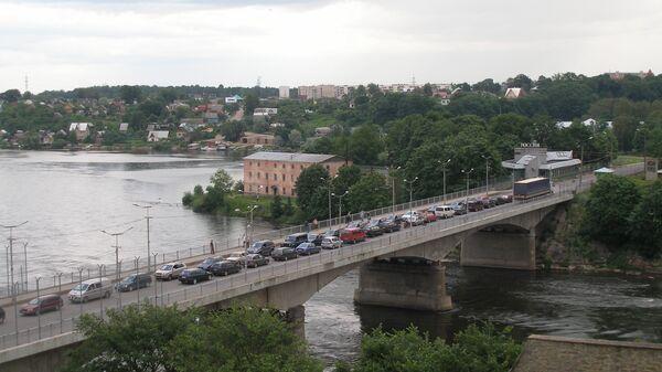 Пограничный мост на реке Нарва между Нарвой и Ивангородом