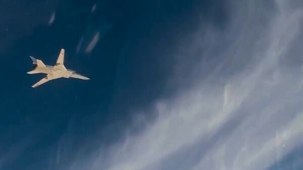 Дальний бомбардировщик Ту-22М3 осуществляет авиаудар по объектам террористов в Сирии. 15 ноября 2017