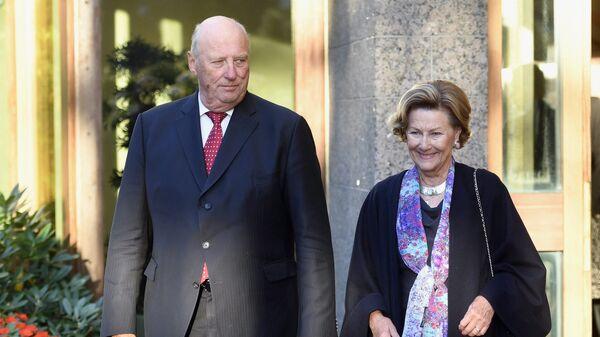 Король Норвегии Харальд V с супругой королевой Соней. Архивное фото