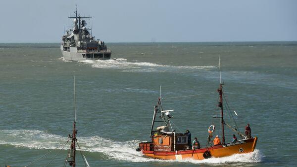 Эсминец ВМС Аргентины Sarandi принимает участие участие в поиске пропавшей подводной лодки Сан-Хуан. Архивное фото