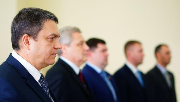 Временно исполняющий обязанности главы Луганской Народной Республики Леонид Пасечник на заседании Народного совета ЛНР в Луганске. 25 ноября 2017