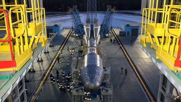 Вывоз ракеты-носителя Союз-2.1б на стартовый комплекс космодрома Восточный