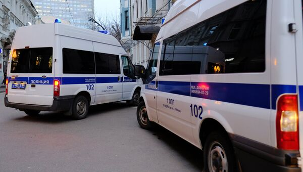 Автомобили полиции на улице Москвы. Архивное фото
