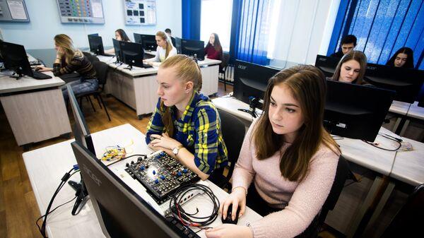 Студенты ВГУЭС на проекте Агентство кибербезопасности