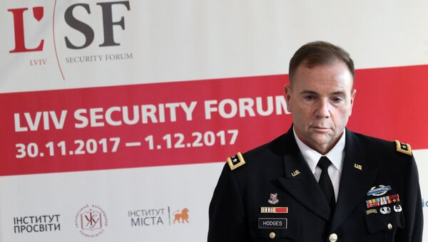 Командующий сухопутными войсками США в Европе генерал-лейтенант Бен Ходжес на пресс-конференции во Львове. 1 декабря 2017