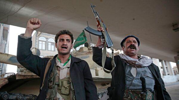 Хуситы в столице Йемена. Архивное фото