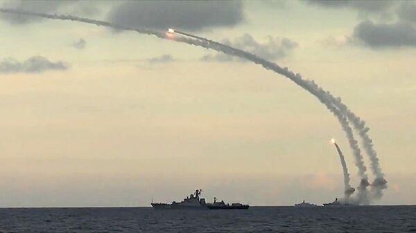 Пуск ракет Калибр-НК. Архивное фото