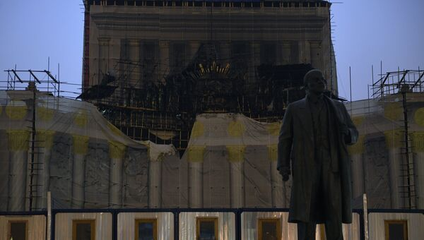 Здание павильона №1 Центральный на ВДНХ, пострадавшее в результате пожара. 13 декабря 2017