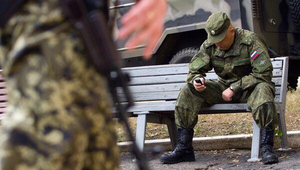 Российский военнослужащий в Соледаре Донецкой области