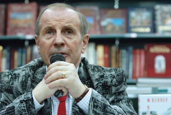 Писатель Михаил Веллер