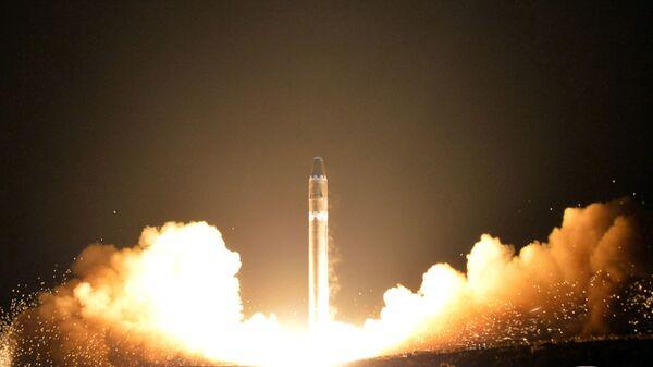 Запуск межконтинентальной баллистической ракеты в КНДР