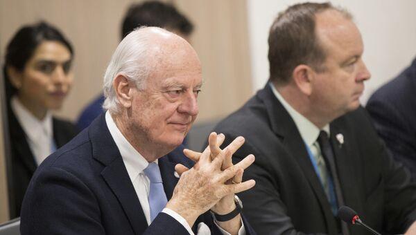 Спецпосланник ООН по Сирии Стаффан де Мистура во время переговоров по Сирии в Женеве, Швейцария. 14 декабря 2017