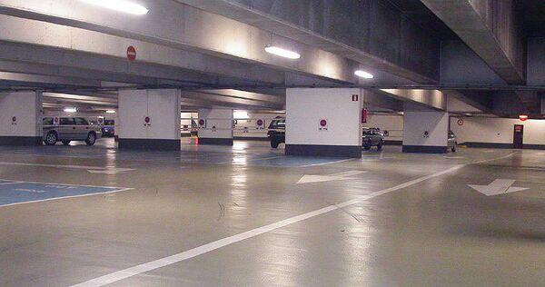 Подземный гараж. Архив