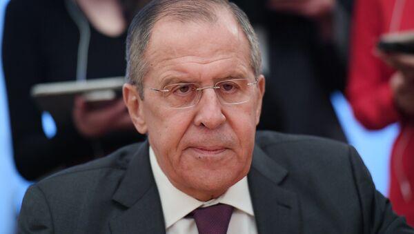 Сергей Лавров во время встречи в Москве с советником президента Палестины Набилем Шаасом. 19 декабря 2017