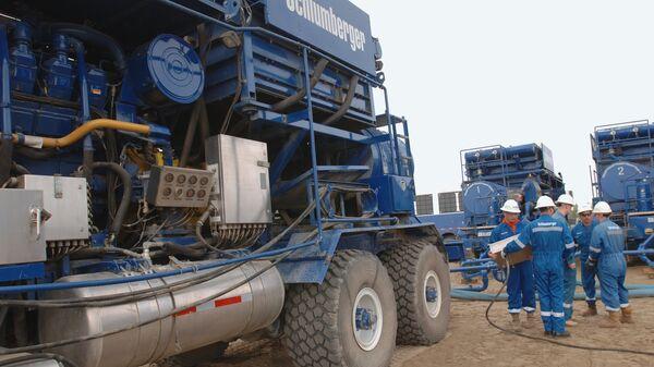 Компания Schlumberger проводит изыскательские работы на площадке Приобского нефтяного месторождения. Архивное фото