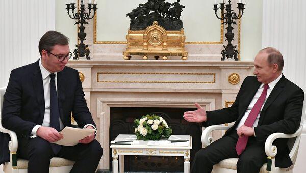 Президент РФ Владимир Путин и президент республики Сербии Александр Вучич. Архивное фото
