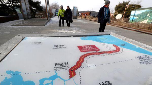 Карта Северной и Южной Кореи. Архивное фото
