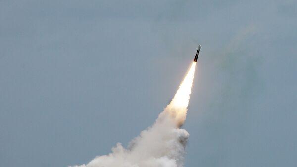 Пуск ракеты подводного базирования Trident II D5. Архивное фото.