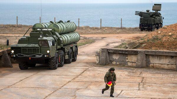 Комплекс ПВО С-400 Триумф. Архивное фото