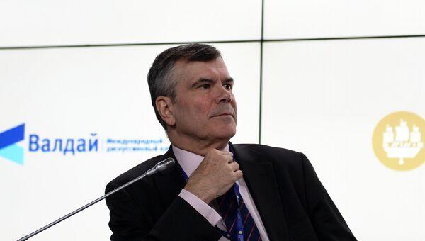 Президент, генеральный директор Американо-Российского делового совета (АРДС) Дэниел Расселл во время сессии клуба Валдай