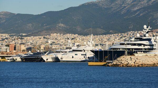 Яхты в порту Афин