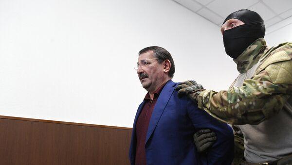 Шамиль Исаев в Басманном суде Москвы. 6 февраля 2018