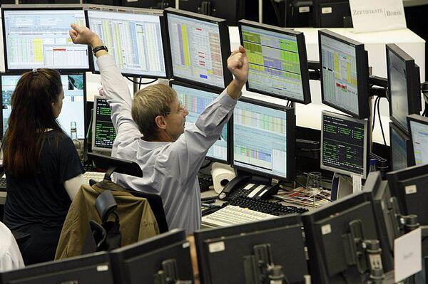 Трейдеры на франкфуртской фондовой бирже. Архив