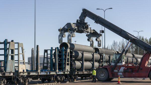 Нанесение бетонного покрытия на трубы для газопровода Северный поток ‑ 2. Архивное фото