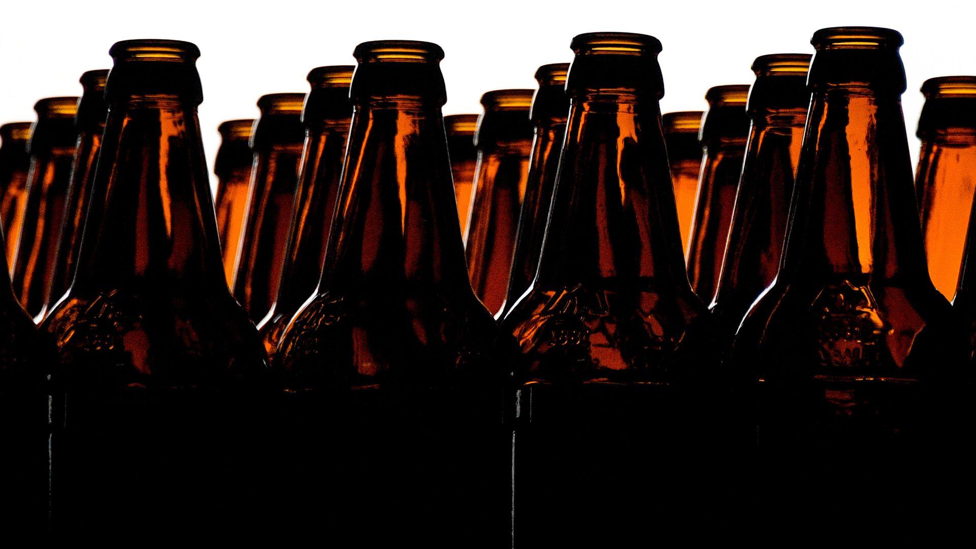 В Петербурге из-за сбоя на пивоваренном заводе в банках оказалась вода
