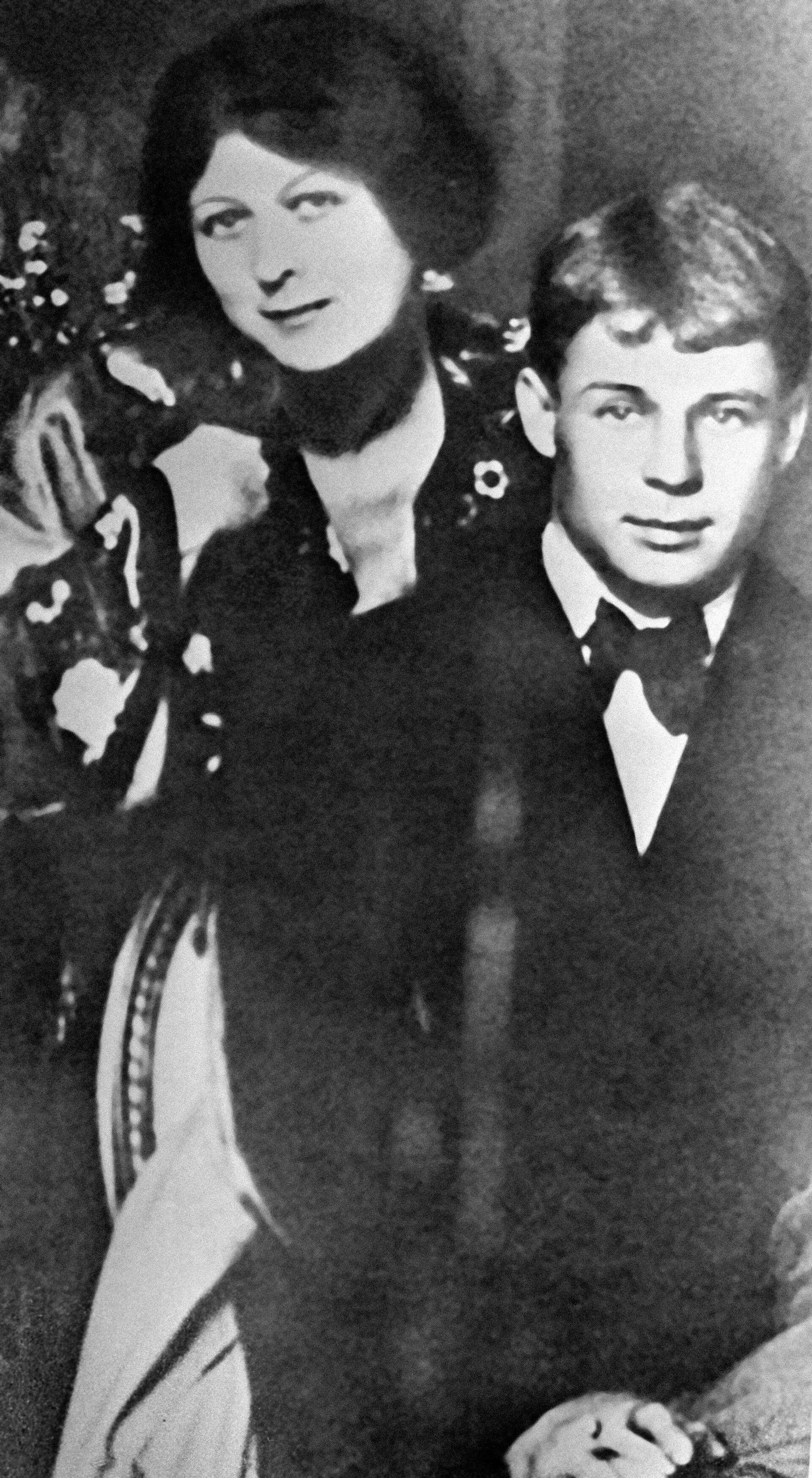 Поэт Сергей Есенин и его жена танцовщица Айседора Дункан - РИА Новости, 1920, 01.10.2021