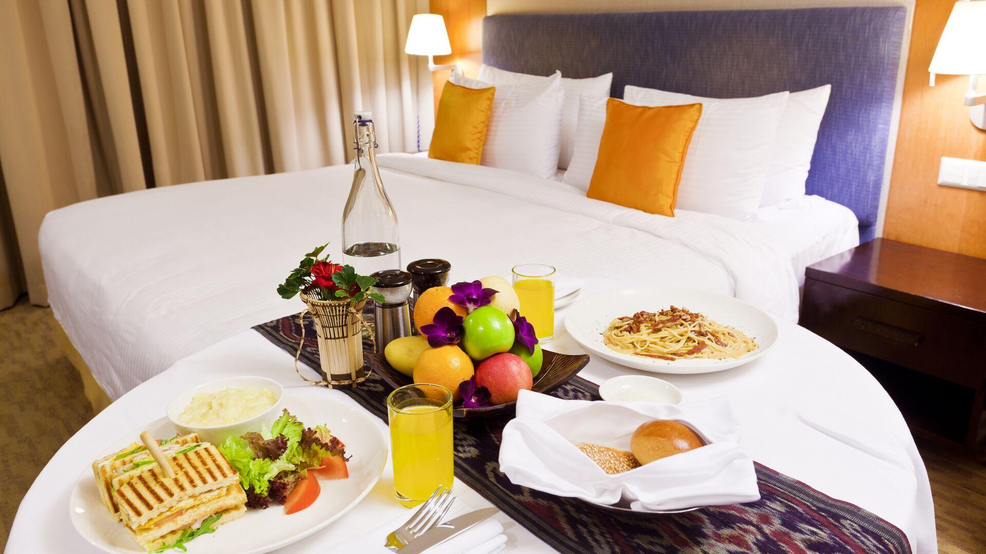 Завтрак в номер в отеле  - РИА Новости, 1920, 01.05.2021